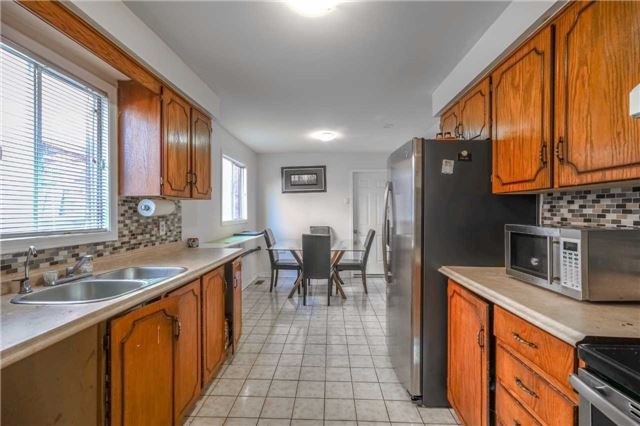 Detached at 7120 Dalewood Dr, Mississauga, Ontario. Image 11