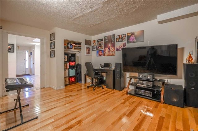 Detached at 7120 Dalewood Dr, Mississauga, Ontario. Image 12