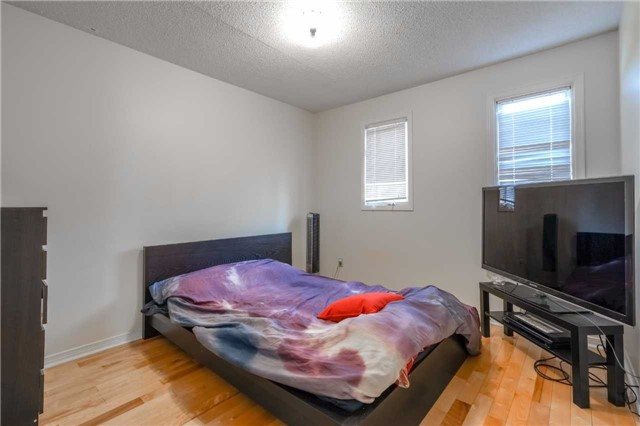 Detached at 7120 Dalewood Dr, Mississauga, Ontario. Image 16
