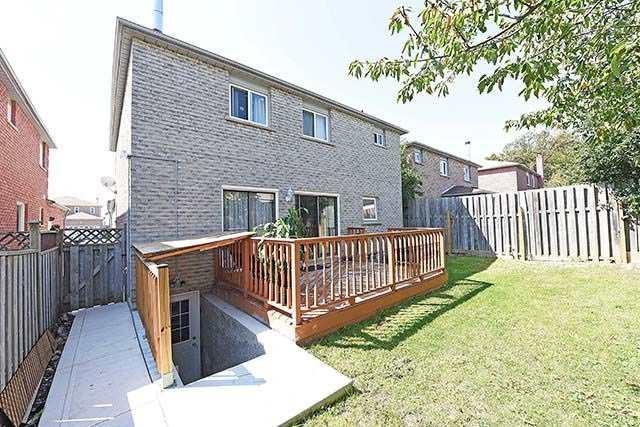 Detached at 18 Duggan Dr, Brampton, Ontario. Image 11