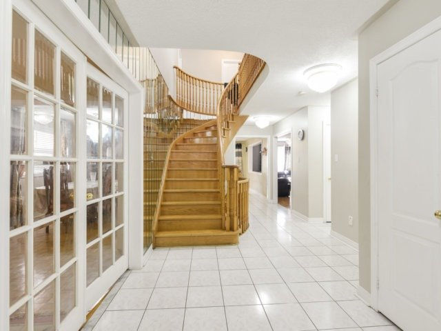 Detached at 52 Springtown Tr, Brampton, Ontario. Image 14