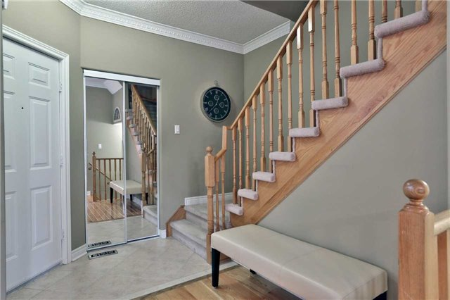 Semi-detached at 6941 Haines Artist Way, Mississauga, Ontario. Image 14