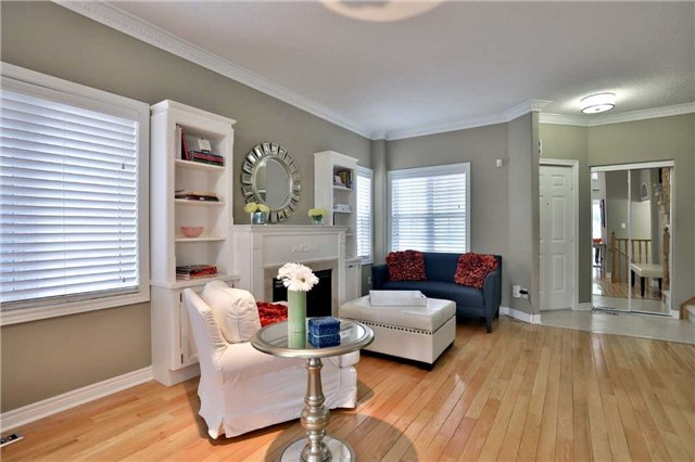 Semi-detached at 6941 Haines Artist Way, Mississauga, Ontario. Image 15