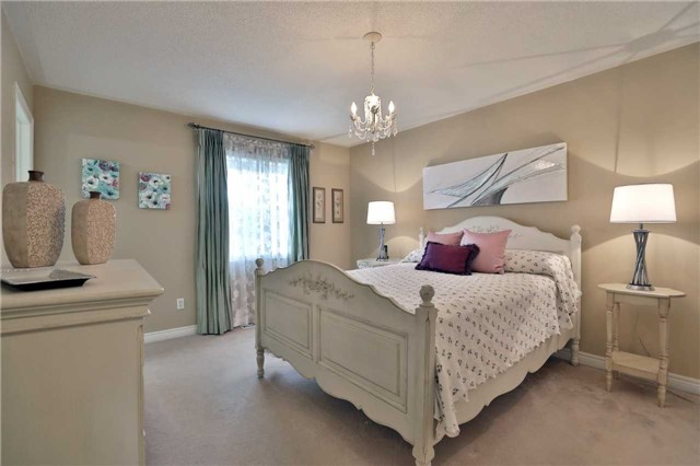 Semi-detached at 6941 Haines Artist Way, Mississauga, Ontario. Image 2