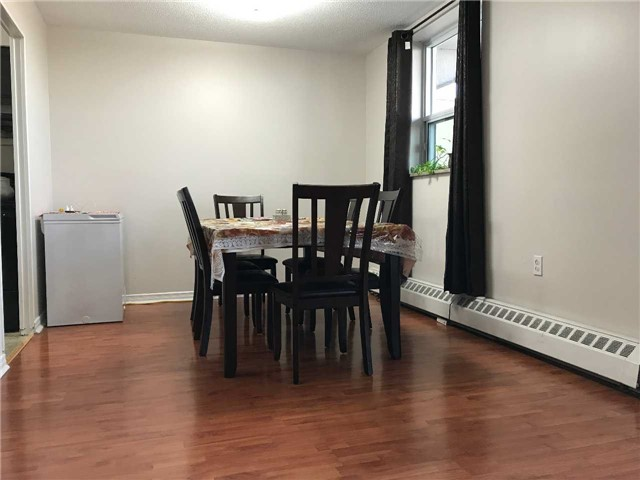 Condo Apartment at 3533 Derry Rd E, Unit 405, Mississauga, Ontario. Image 9