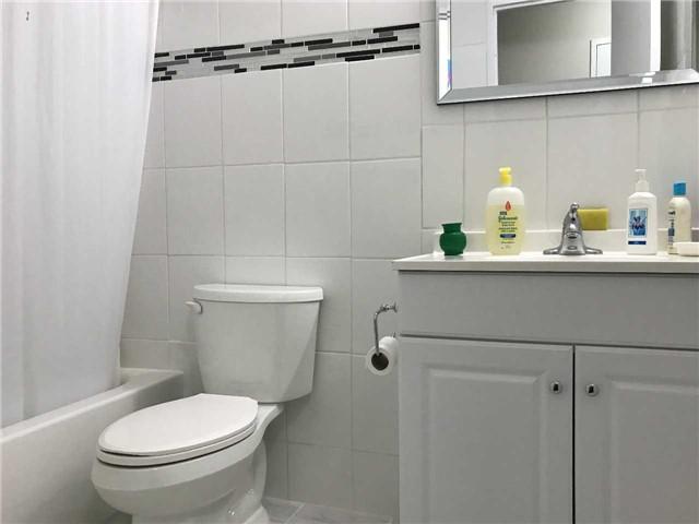 Condo Apartment at 3533 Derry Rd E, Unit 405, Mississauga, Ontario. Image 15