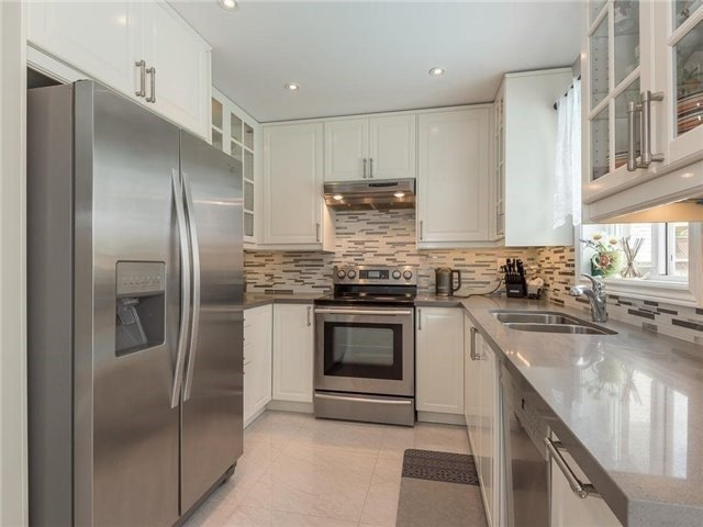 Detached at 3345 Grand Park Dr, Mississauga, Ontario. Image 20