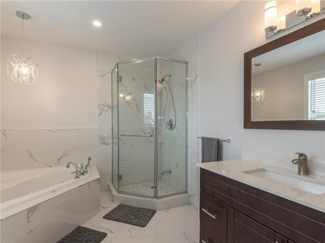 Detached at 3345 Grand Park Dr, Mississauga, Ontario. Image 6