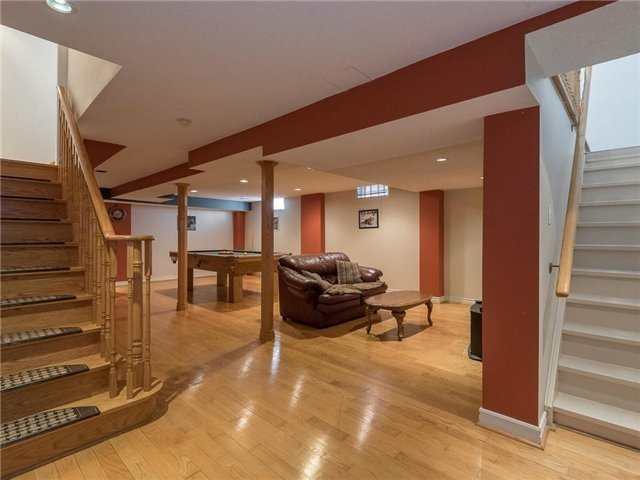 Detached at 3345 Grand Park Dr, Mississauga, Ontario. Image 8