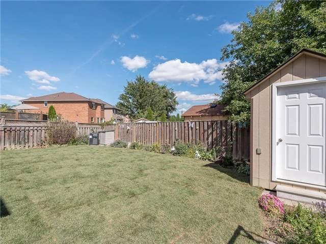 Detached at 3345 Grand Park Dr, Mississauga, Ontario. Image 10