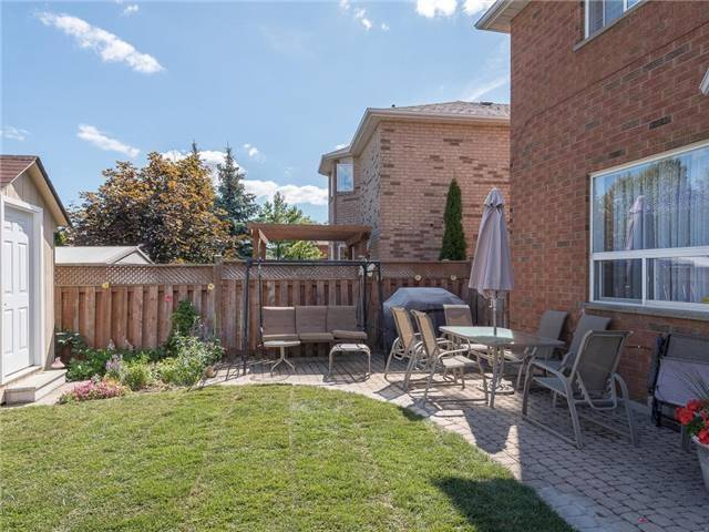 Detached at 3345 Grand Park Dr, Mississauga, Ontario. Image 11