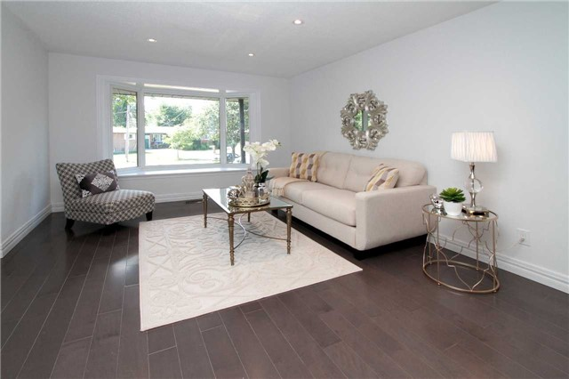 Detached at 1356 Monaghan Circ, Mississauga, Ontario. Image 5