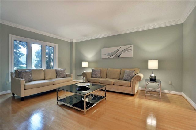 Detached at 5819 Riverside Pl, Mississauga, Ontario. Image 12