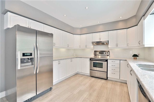 Detached at 5819 Riverside Pl, Mississauga, Ontario. Image 14