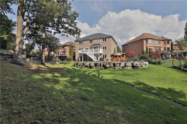 Detached at 5819 Riverside Pl, Mississauga, Ontario. Image 11