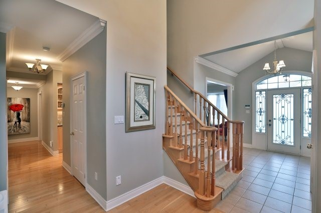 Detached at 2324 Coronation Dr, Oakville, Ontario. Image 12