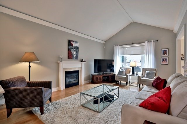 Detached at 2324 Coronation Dr, Oakville, Ontario. Image 16