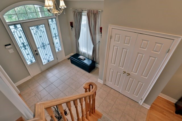 Detached at 2324 Coronation Dr, Oakville, Ontario. Image 6
