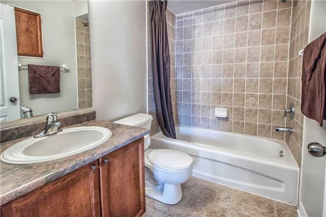 Townhouse at 3097 Highbourne Cres, Oakville, Ontario. Image 5