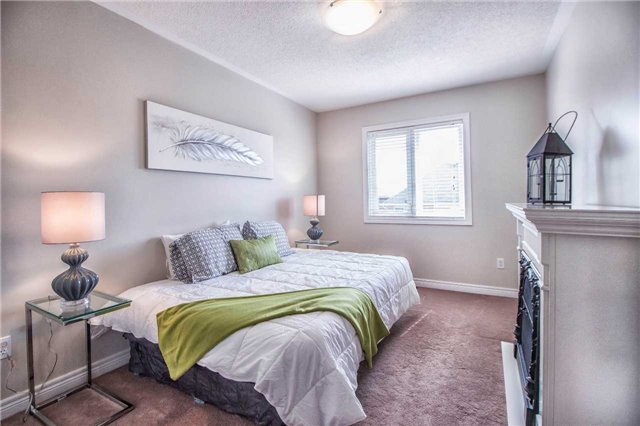Townhouse at 3097 Highbourne Cres, Oakville, Ontario. Image 6
