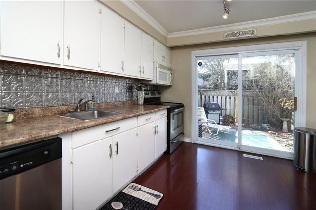 Condo Townhouse at 1050 Shawnmarr Rd, Unit 8, Mississauga, Ontario. Image 12