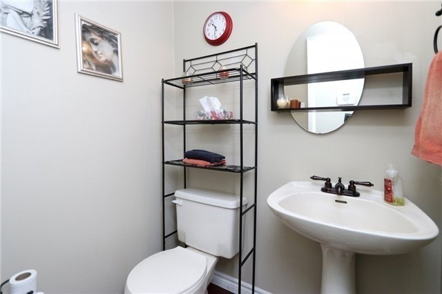 Condo Townhouse at 1050 Shawnmarr Rd, Unit 8, Mississauga, Ontario. Image 2