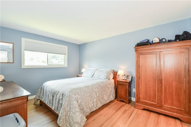 Detached at 1291 Tredmore Dr, Mississauga, Ontario. Image 3