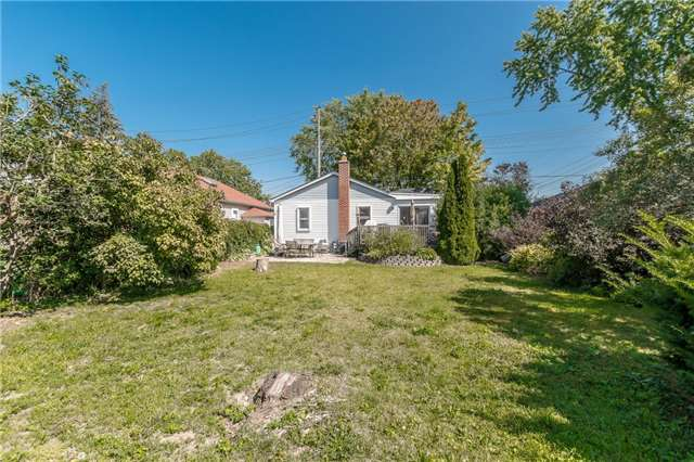 Detached at 1068 Strathy Ave, Mississauga, Ontario. Image 6