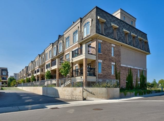 Condo Townhouse at 2441 Greenwich Dr, Unit 3, Oakville, Ontario. Image 1