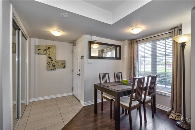 Condo Townhouse at 2441 Greenwich Dr, Unit 3, Oakville, Ontario. Image 15