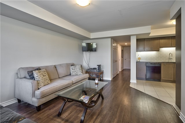 Condo Townhouse at 2441 Greenwich Dr, Unit 3, Oakville, Ontario. Image 17