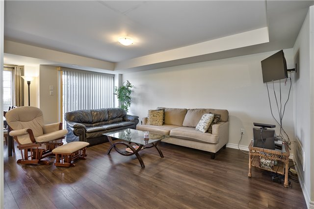 Condo Townhouse at 2441 Greenwich Dr, Unit 3, Oakville, Ontario. Image 2