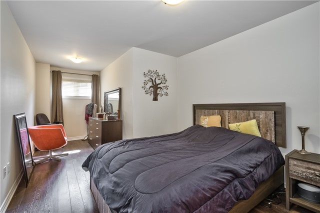 Condo Townhouse at 2441 Greenwich Dr, Unit 3, Oakville, Ontario. Image 4