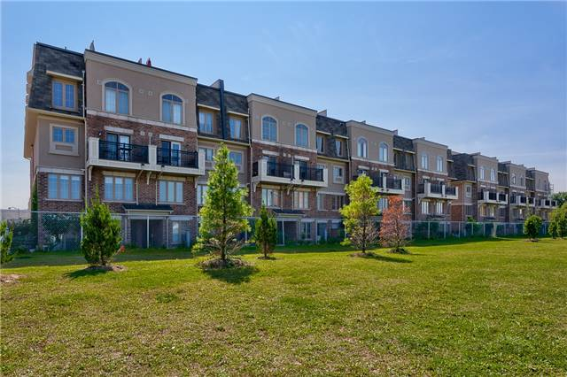 Condo Townhouse at 2441 Greenwich Dr, Unit 3, Oakville, Ontario. Image 8