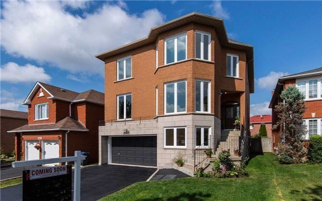 Detached at 4782 Crystal Rose Dr, Mississauga, Ontario. Image 1