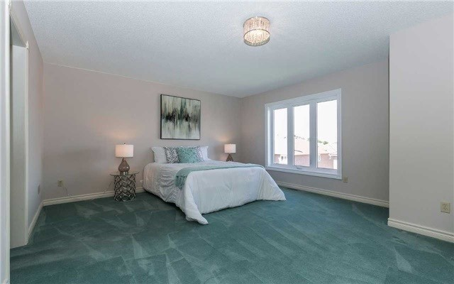 Detached at 4782 Crystal Rose Dr, Mississauga, Ontario. Image 6