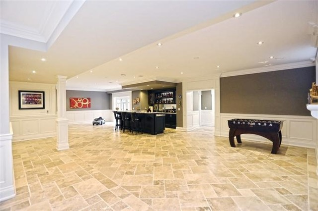 Detached at 1689 Carolyn Rd, Mississauga, Ontario. Image 8