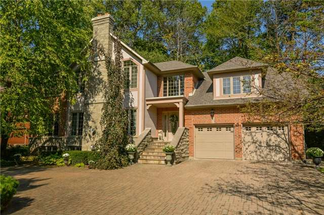 Detached at 109 Oaklands Park Crt, Burlington, Ontario. Image 1