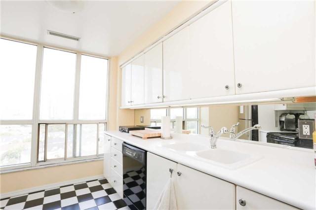 Condo Apartment at 2285 Lake Shore Blvd, Unit 1410, Toronto, Ontario. Image 18