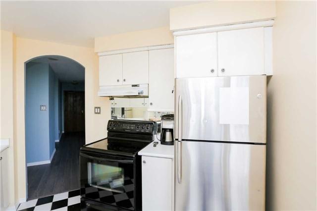 Condo Apartment at 2285 Lake Shore Blvd, Unit 1410, Toronto, Ontario. Image 19