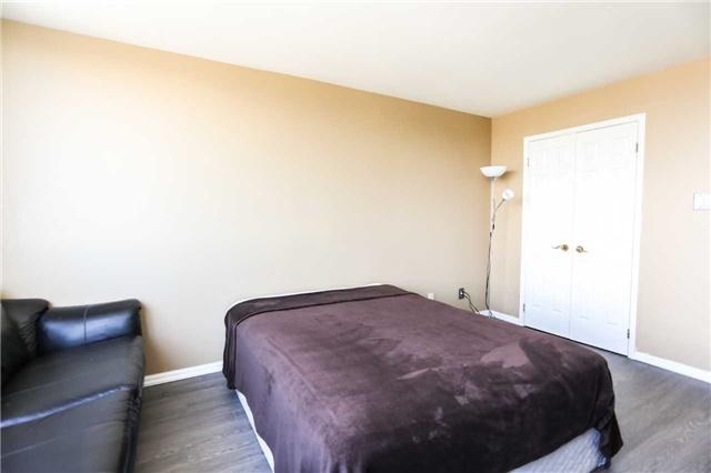 Condo Apartment at 2285 Lake Shore Blvd, Unit 1410, Toronto, Ontario. Image 20