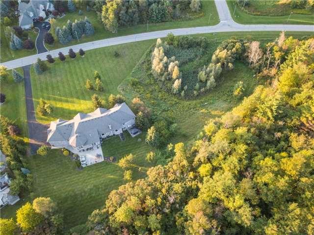 Detached at 21 Bruno Ridge Dr, Caledon, Ontario. Image 14