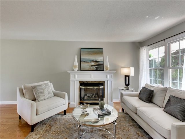 Detached at 1040 Bridlewood Tr, Oakville, Ontario. Image 14