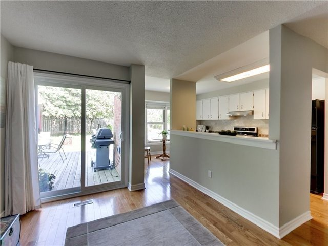 Detached at 1040 Bridlewood Tr, Oakville, Ontario. Image 19