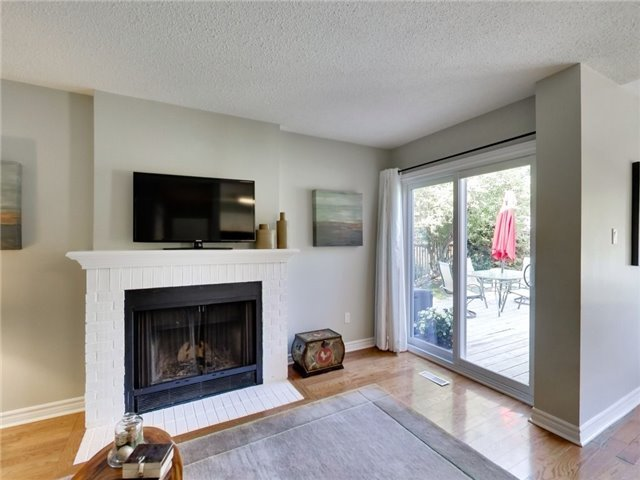 Detached at 1040 Bridlewood Tr, Oakville, Ontario. Image 20