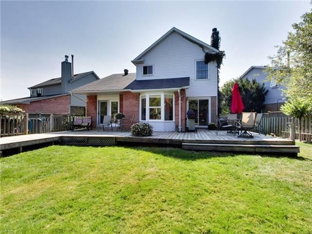 Detached at 1040 Bridlewood Tr, Oakville, Ontario. Image 10