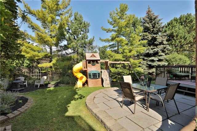 Detached at 379 Atwood Lane, Oakville, Ontario. Image 13