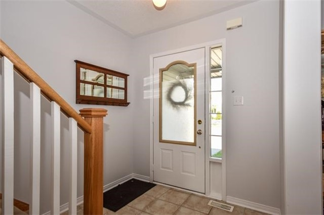 Detached at 10 Tanners Dr, Halton Hills, Ontario. Image 14
