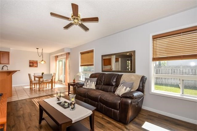 Detached at 10 Tanners Dr, Halton Hills, Ontario. Image 17