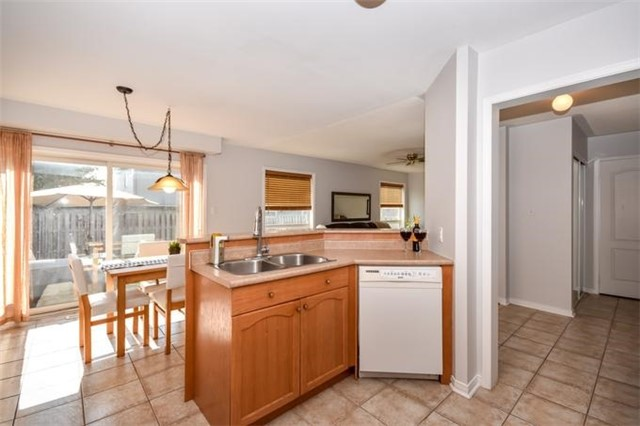 Detached at 10 Tanners Dr, Halton Hills, Ontario. Image 19